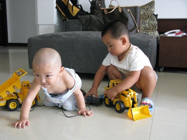 一周岁女宝宝短发型图片下载分享