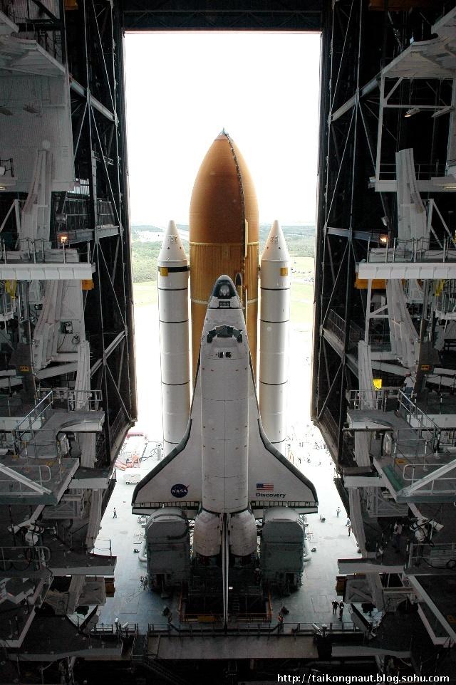 迥异的外形 神舟7号飞船与航天飞机的区别