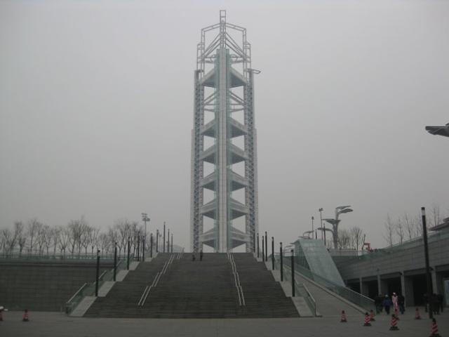 白天的玲珑塔