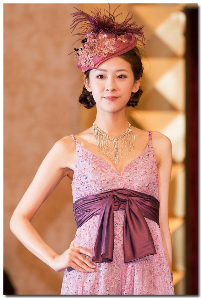 形容穿婚纱的女人_穿婚纱的女人 很美 2-极品漂亮美女-搜狐博客