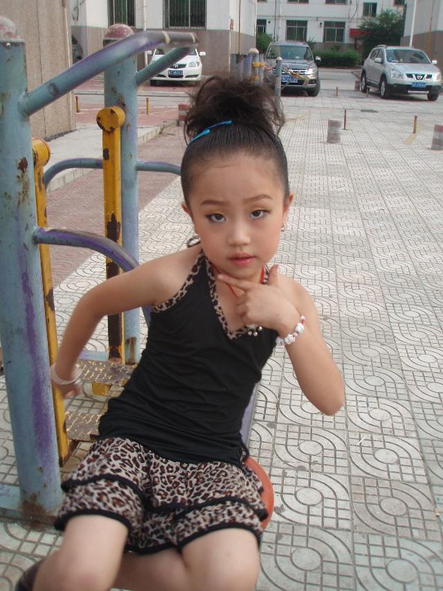 儿童拉丁妆图片